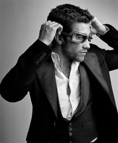 Jake Gyllenhaal---Soleil Muniz is crazy if she doesn't see how good looking he is!