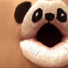 its panda face on the lips! cute