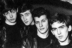 Antes de Ringo Starr, hubo otro baterista en The Beatles, Pete Best, un hombre atractivo y talentoso. Sin embargo su carrera no alcanzó ni un cuarto del...