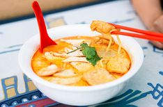 Delicious spicy coconut milk broth, filled with oodles of noodles. Here's who is dishing out the best laksa in Perth. Vegetarian Laksa, Satay Sticks, Pickled Mustard Greens, Curry Laksa, Beef Satay, Hainanese Chicken, Grilled Beef, When It Rains, Dinner Options
