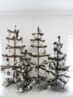 princessgreeneye: Väterchen Frost und eine Eisenbahn...................dekorieren mit antikem Weihnachtssschmuck