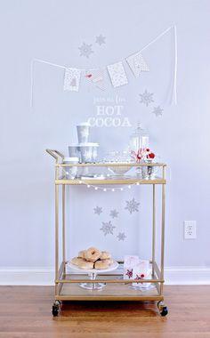 Holiday Party Hot Cocoa Bar Crafts & Ideas + @elmersproducts Handmade Holiday E-book #elmershandmadeholiday