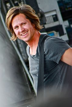 Tim Foreman. fave bassist! (Switchfoot Bro-Am by SwitchfootKatie, via Flickr)