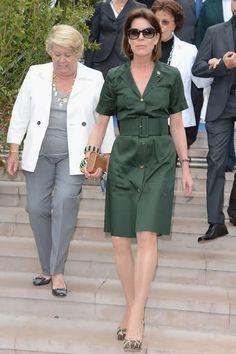 Princess Caroline of Monaco--simple, great color, pure chic
