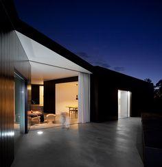 (via Dezeen » Blog Archive » C/Z House by SAMI arquitectos)