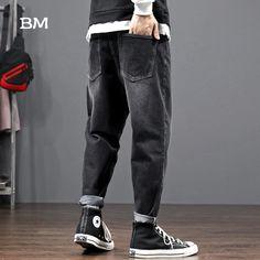 Korean Fashion Men, Mens Fashion, Style Fashion, Cargo Jeans, Jeans Pants, Harem Pants, Black Converse Outfits, Hip Hop Jeans, Blue Black Color