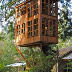 """curiously elaborate tree-house --- can this still be described as """"living off the grid"""" ? I always wanted a tree-house in my backyard growing up however these modern versions look kick-ass! Outdoor Spaces, Outdoor Living, Play Houses, Tree Houses, In The Tree, 10 Tree, Cabana, My Dream Home, Future House"""