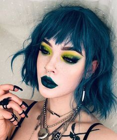 Gorgeous Blue Hair & Makeup Style for 2020 Edgy Makeup, Grunge Makeup, Grunge Hair, Soft Grunge, Hair Makeup, Makeup Style, Goth Hair, Makeup Eyes, Aesthetic Hair