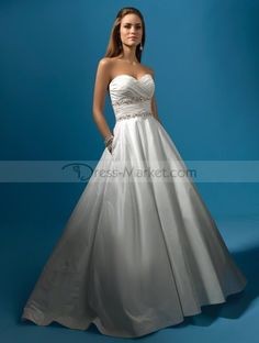 2011 Style A-line Sweetheart Sleeveless Sweep / Brush Train Taffeta Wedding Dresses For Brides (SZ031060 )