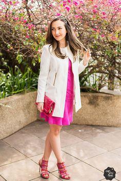 Look do dia com vestido pink de chamois Juliana Sanmartin, casaco Zara e sandália Arezzo!