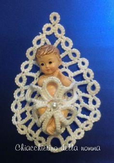 Crochet Christmas Decorations, Diy Christmas Ornaments, Thread Crochet, Diy Crochet, Shuttle Tatting Patterns, Tatting Lace, Bobbin Lace, Diy And Crafts, Crochet Patterns