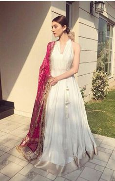 Like the idea of mixing a white wedding dress with an Indian shawl or saree Pakistani Fashion Casual, Pakistani Outfits, Indian Outfits, Dress Indian Style, Indian Dresses, Indian Attire, Indian Ethnic Wear, Indian Bridesmaids, Indian Bridal Lehenga