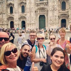 What a wonderful idea to walk with visitors in your hometown. Charming and cheerful Daniele @gaylyplanet took us to #instawalk in Milan. Saw private houses heard good stories and great cappuccino. Duomo and us in this pic. Tip thru Airbnb. Thanks!