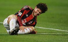 Médico do Corinthians acredita na recuperação de Pato no Brasil http://r7.com/egaJ (Via Gazeta Esportiva)