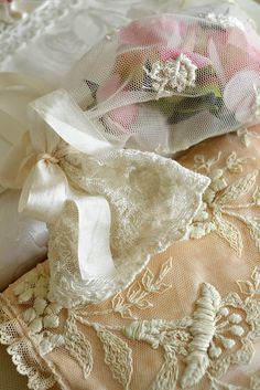 Jennelise: Lace Treasures