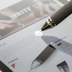 Release your inner da Vinci with the gorgeous Adonit Jot Flip, a silky smooth 2-in-1 stylus and pen designed to help you sketch your next masterpiece—whether on paper, touchscreen, or both.