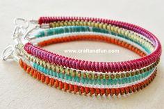 bracelets from zippers http://www.craftandfun.com/2013/06/riciclo-creativo-cerniere-lampo.html