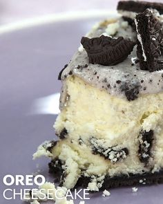 Oreo cheesecake is already a classic. Our recipe uses an entire package of 36 Oreos in the crust the filling and the toppingmaximizing the flavor of the cookies inside an already flavorful and creamy cheesecake. Oreo Cheesecake Recipes, Oreo Desserts, Oreo Recipe, Cheesecake Cookies, Raspberry Cheesecake, Cheesecake Bites, Pumpkin Cheesecake, Oreo Cookies, Health Desserts