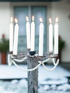 Veranda Julfint: Persbo Made In Little Christmas, Christmas Home, Christmas Ideas, Candelabra, Candlesticks, Old Fences, Interior Stylist, Festival Decorations, Holiday Decorations