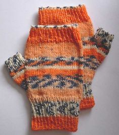 Free knitting pattern for fingerless mitts knit in fingering weight yarn. These fingerless gloves are designed to fit an average woman's hand. Fingerless Gloves Knitted, Knit Mittens, Knit Slippers, Free Knitting, Knitting Patterns, Knitting Projects, Knitting Ideas, Crochet Patterns, Crochet Butterfly Pattern