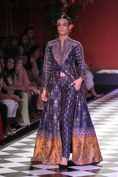 Anita Dongre at India Couture Week 2016 Anita Dongre, Couture Week, Couture Style, Indian Attire, Indian Wear, Indian Style, Indian Ethnic, India Fashion, Asian Fashion