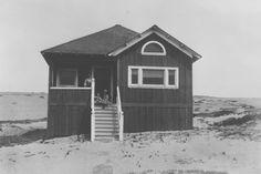 First house in Manhattan Beach - The Horner House [circa 1902]. From http://www.manhattanbeachhistorical.org/history