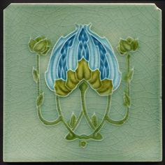 TH2884 Flor inusual & brotes Art Nouveau Mayólica Azulejo Richards c.1907