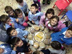 Grazie Sofi per lo splendido regalo.... Abbiamo fatto una meravigliosa lezione sui legumi.. I loro colore e i mille usi.....