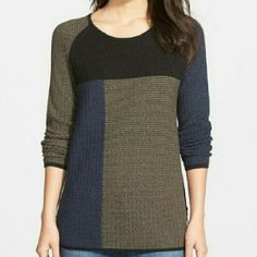 """Nic+Zoe """"Telegraph"""" Side zip Color block sweater Very attractive,trendy,comfortable to wear. Side zippers are adding some drama and fun. Material is cotton and rayon. Nic+Zoe Sweaters Crew & Scoop Necks"""