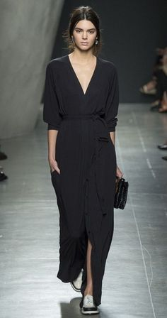 MINIMAL + CLASSIC: Bottega Venetta ss2015 - trying to be a Kendall convert but it's just not happening