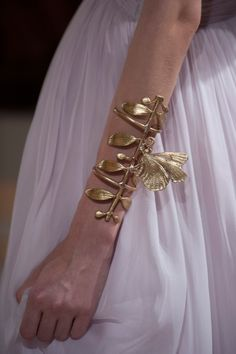 Animal instincts: from haute couture into next season. The fall 2012 haute couture runways Fashion Accessories, Fashion Jewelry, By Any Means Necessary, Giambattista Valli, Statement Jewelry, Fashion Details, Ideias Fashion, Jewelry Design, Bling