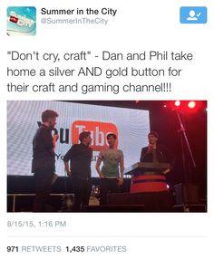 phandomoftheoprah on tumblr: I like how this makes DanandPhilCrafts seem legit. // Dan and Phil at Sitc 2015