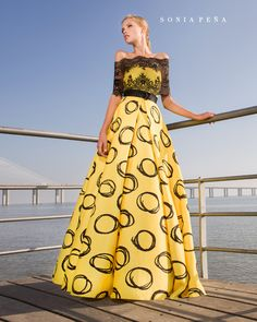 Spring-Summer Avant Garde Collection Sonia Peña - Ref. 1180189 Set<br>Ref: 1180293 Stole Party Fashion, Yellow Dress, Mother Of The Bride, Ideias Fashion, Marie, Amazing Women, Strapless Dress, Short Dresses, Prom