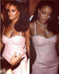 N Ƒ օ ӏӏ օա ʍҽ ƒ օɾ ʍօɾ ҽ y թ y y y y y ɑ ɑ ɑ ɑ ɑ ɑ - Rihanna - Famous Estilo Rihanna, Rihanna Riri, Rihanna Style, Rihanna Outfits, Rihanna Clothes, Rihanna Photos, Looks Rihanna, Look Fashion, Men Boots