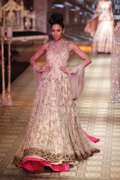 Delhi Couture Week: Manish Malhotra - This picture is from Vogue India.