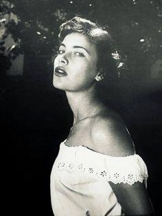 Τζένη Καρέζη Old Greek, 80s Kids, Athens, Childhood Memories, Beautiful People, Greece, Cinema, Actors, Female