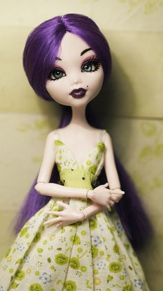 Lilinet monster high ooak by i1473 I am in love with those eyes, they are so pretty.