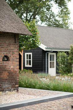 Garden Design, House Design, Modern Barn, Farmhouse Interior, Outdoor Living, Outdoor Decor, Garden Crafts, Residential Architecture, Exterior Paint