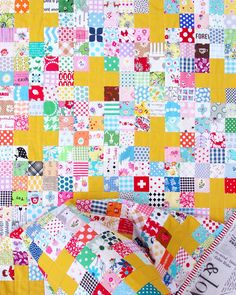 Scrappy Cross Quilt - Tutorial Available - © Red Pepper Quilts 2020 #scrapquilt #easyquilt Scrap Quilt, Scrappy Quilt Patterns, Sampler Quilts, Quilting Projects, Quilting Designs, Quilt Design, Quilting Ideas, Sewing Projects, Plus Quilt