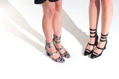 #Sandalias #Romanas #Tiras #70 Sandalias romanas LEI É . Sandalias de tacón. Wedding Guest Shoes, Wedding 2015, Lace Up, Flats, Seasons, Shopping, Collection, Fashion, Black Sandals