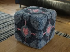 Knitted Companion Cube by Wren Montgomery
