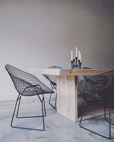 RAKA MOD | CATALOG The Salvaged Oak Collection | Dining Tables | Rustic Modern Dining | Industrial Modern Dining | Bertoia Diamond Chair | Mid Century Modern Dining | Modern Interiors | Minimalist Design | Minimalist Dining Spaces | Black and White Dining Spaces |
