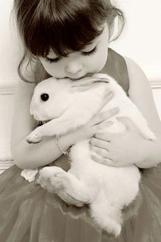 15 inspirações para fotos de bebês/crianças e bichinhos de estimação   Macetes de Mãe