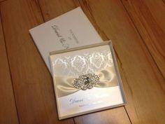 Rhinestone Brooch Wedding Invitations With A Paper Box 0ec38997cb74