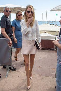 Rosie Huntington-Whiteley rocks the understated French Riviera style.