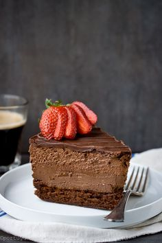Quadruple Chocolate Cheesecake Mousse Cake- flourless cake/ chocolate cheesecake/ chocolate mousse then ganache on top Chocolate Mouse Cheesecake, Chocolate Desserts, Chocolate Cake, Cheesecake Recipes, Dessert Recipes, Chocolate Delight, Mousse Cake, Choc Mousse, Cookies Et Biscuits