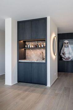 Interior Decorating Plans for your Home Bar Room Interior Design, Kitchen Interior, Interior Plants, Bar Sala, Built In Bar, Mini Kitchen, Bar Kitchen, Kitchen Walls, Kitchen Soffit
