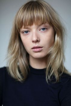 On the first day of the spring/summer 2017 shows, T and the casting director… Short Blonde, Girl Short Hair, Spring Hairstyles, Hairstyles With Bangs, Hair Health And Beauty, Hair Beauty, Hair Inspo, Hair Inspiration, Medium Hair Styles