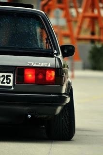 http://www.abduko.com/2013/01/bmw-e30-photo-gallery.html