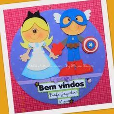 Essa decoração foi enviada para as professoras Jaqueline (MG) e Ana Cristina (MT), um amor de personagens!!! Enfeite de porta ...